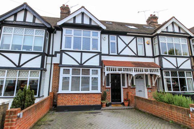 Thumbnail Terraced house for sale in Chestnut Avenue, Buckhurst Hill