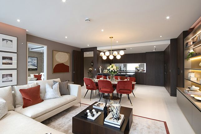"Flat for sale in ""Landmark Place"" at Lower Thames Street, London"