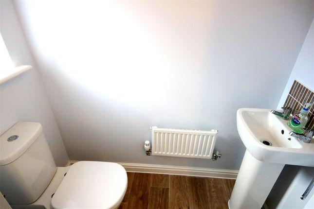 Cloakroom of Ken Gatward Close, Frinton-On-Sea CO13