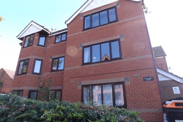 Thumbnail Flat to rent in Conduit Road, Bedford