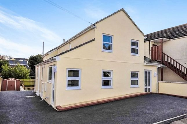 Thumbnail Property to rent in Churchill Road, Parkstone, Poole