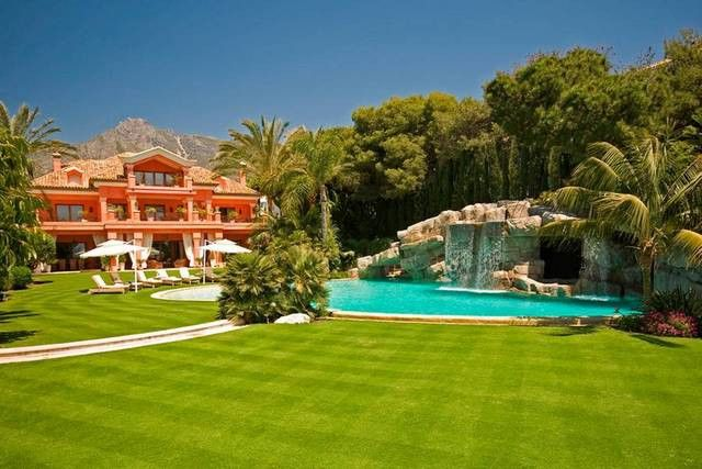 Thumbnail Villa for sale in Av. Julio Iglesias, 12, 29660 Marbella, Málaga, Spain