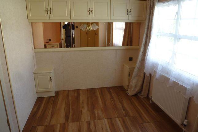 P1110917 of Lakeside Residential Park, Vinnetro, Runcton, Chichester PO20