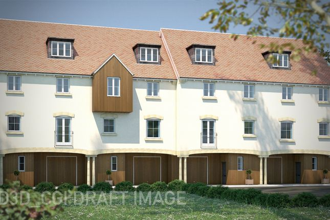 Thumbnail Terraced house for sale in High Street, Gillingham