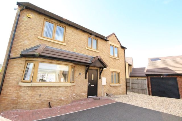 4 bed detached house to rent in Harriers Walk, Northway, Tewkesbury GL20