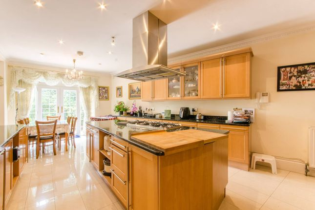 Thumbnail Property to rent in Barnet Road, Arkley