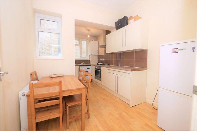 Studio to rent in Grays Inn Road, Kings Cross, London. WC1X