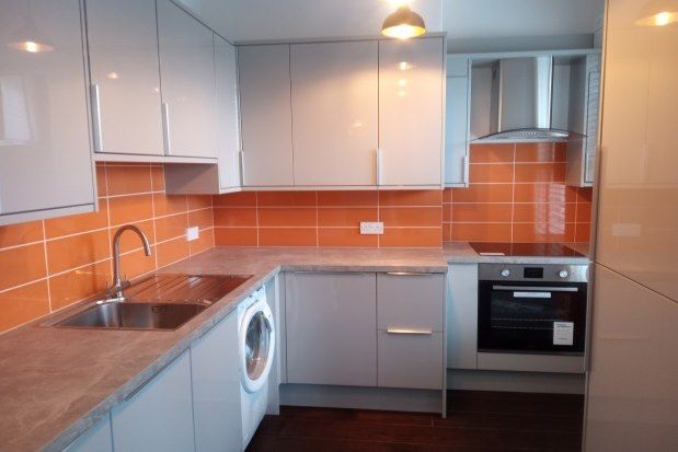 2 bed flat to rent in Hartley Road, Exmouth EX8