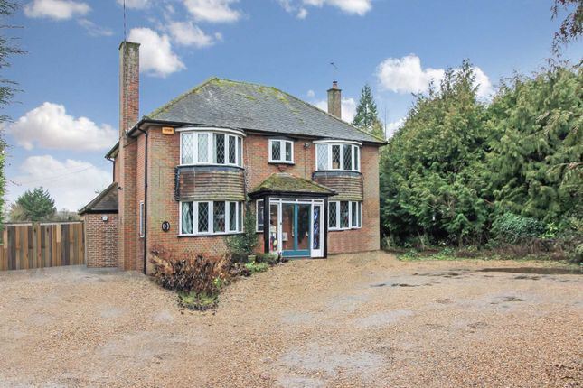 Thumbnail Detached house to rent in London Road, Aston Clinton, Aylesbury