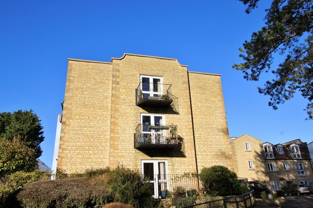 Thumbnail Flat for sale in 3 Kingfisher Court, Avonpark, Bath