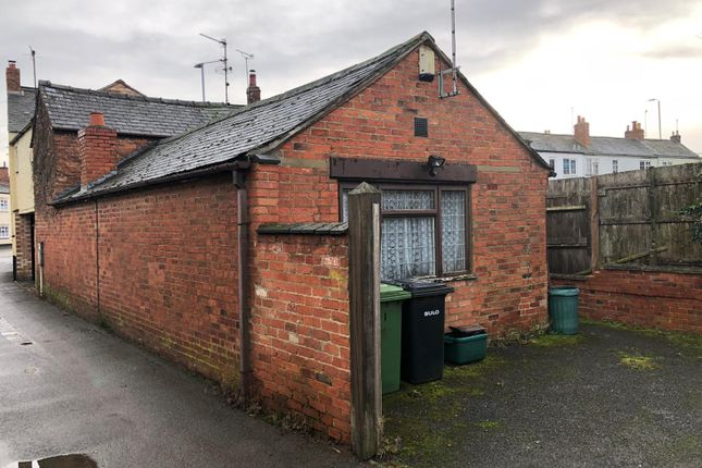 Thumbnail Cottage to rent in Mowsley Road, Husbands Bosworth, Leicester