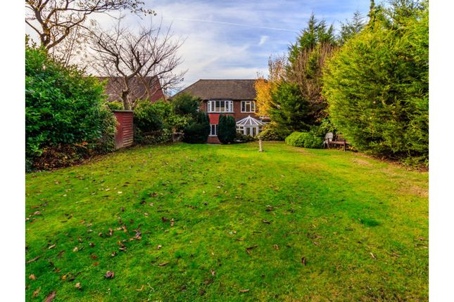 Thumbnail Detached house for sale in Connaught Way, Tunbridge Wells