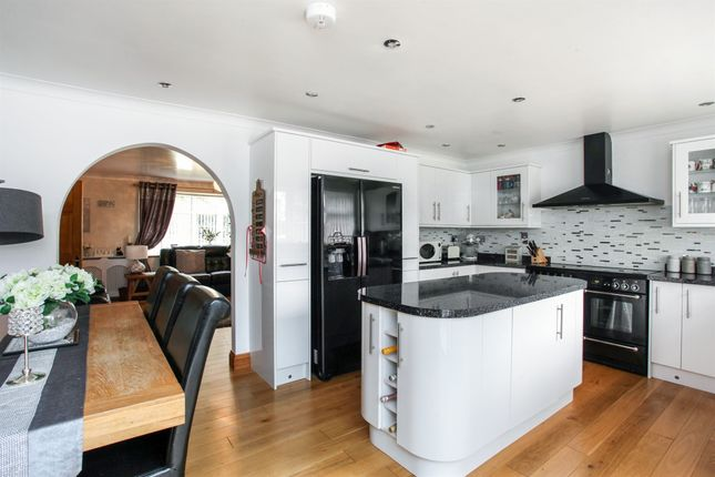 Thumbnail Detached house for sale in Old Road, Romsey