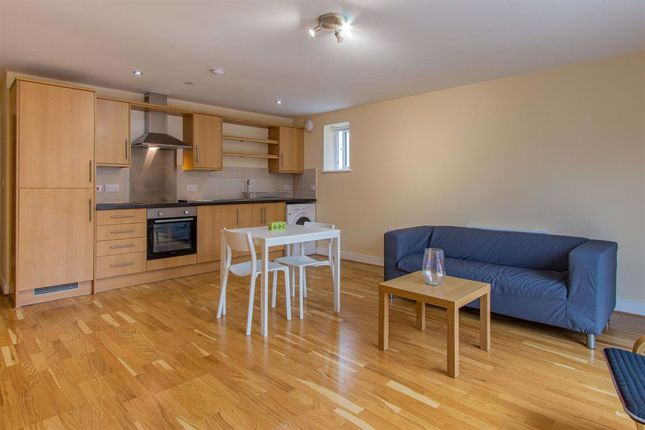 1 bed flat to rent in Churchill Villas, City Centre, ( 1 Bed ) CF10