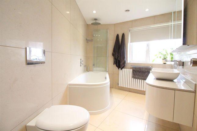 Bathroom of Beverley Road, Hull HU6