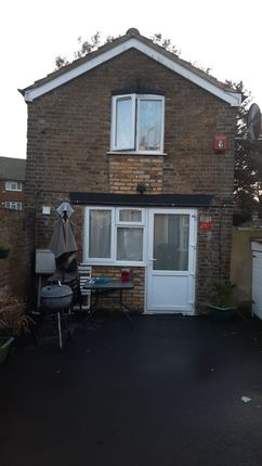 Thumbnail Maisonette to rent in Stanwell Road, Ashford, Surrey