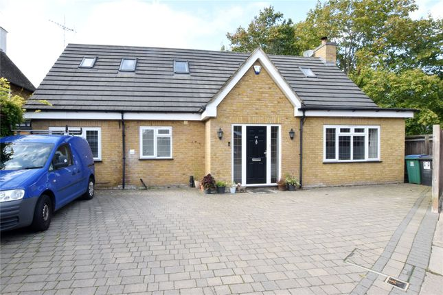 Picture No. 43 of Shepherds Road, Watford, Hertfordshire WD18
