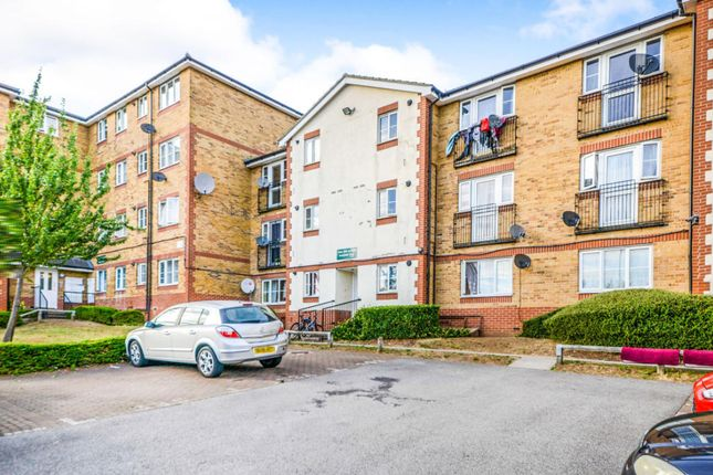 2 bed flat to rent in Kingsway, Luton LU4