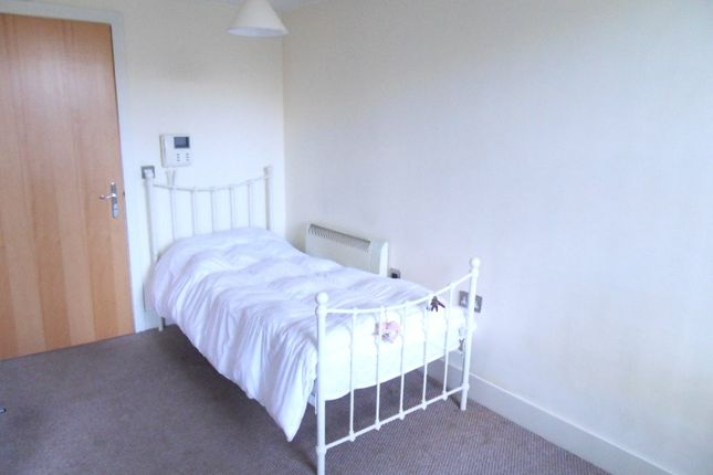 Picture No. 04 of Spinners House, Textile Street, Dewsbury, West Yorkshire WF13