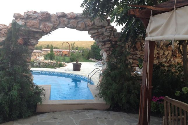 Stone Arches To Pool