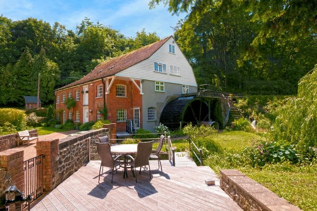 Thumbnail Detached house for sale in Hayle Mill Road, Maidstone