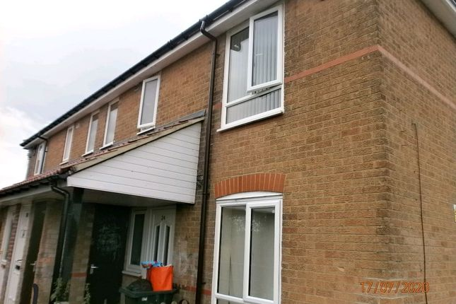 Thumbnail Flat for sale in Whinmoor Place, Newcastle Upon Tyne