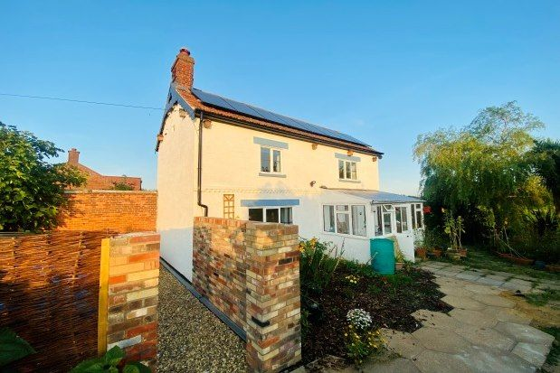 Thumbnail Property to rent in Low Road, Norwich
