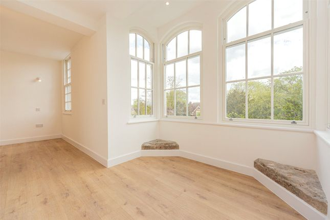 1 bed flat for sale in Barton Road, Newnham, Cambridge CB3