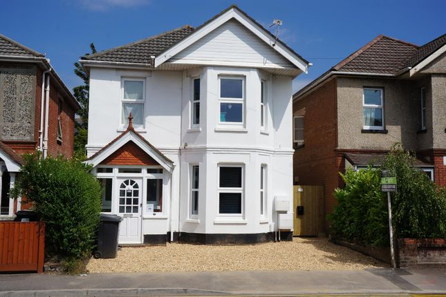 2 bed flat to rent in Bengal Road, Winton, Bournemouth