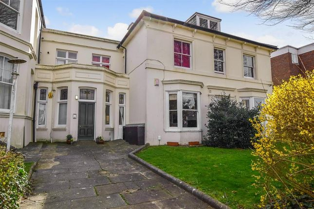 2 bed flat for sale in Wellington Road, Brighton, East Sussex