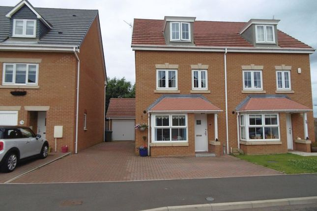 4 bed mews house for sale in Horton Park, Blyth