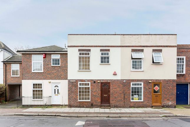 Thumbnail Terraced house to rent in Barrington Terrace, Green Road, Southsea