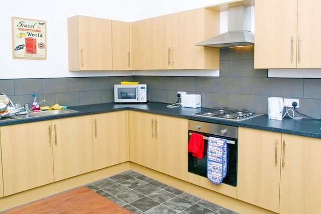 Thumbnail Room to rent in Kings Road, Doncaster