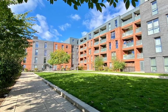 2 bed flat for sale in Clyde Road, London N15