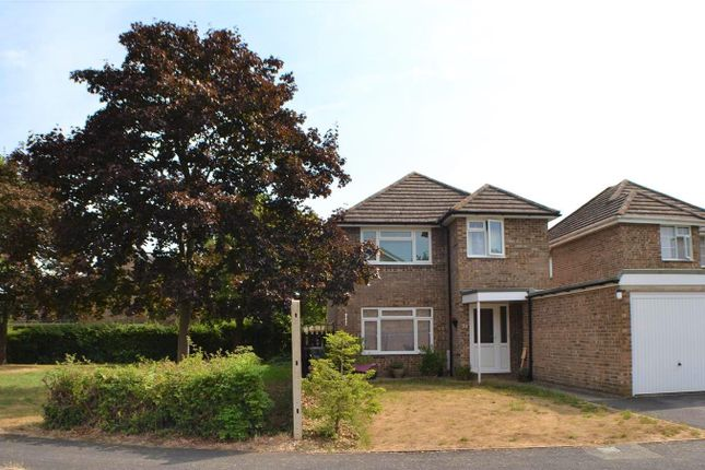 Thumbnail Detached house for sale in Droxford Crescent, Tadley