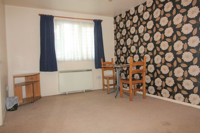 Thumbnail Flat to rent in Cherry Blossom Close, London