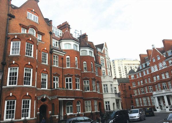 Thumbnail Flat for sale in Flat G, 22 Hans Crescent, Knightsbridge
