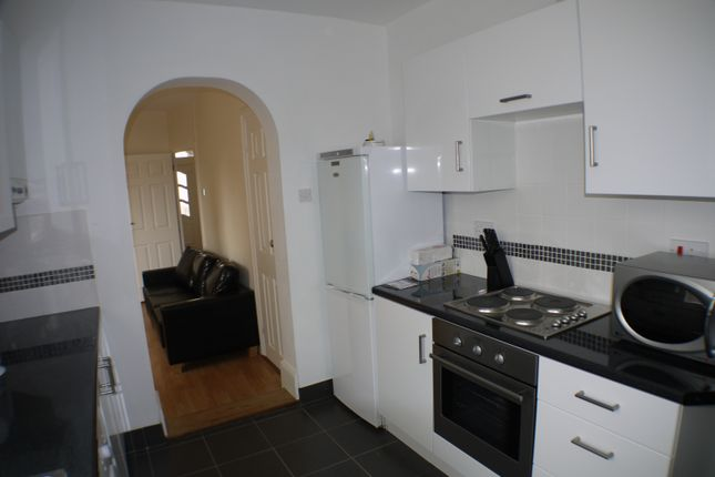 Thumbnail Shared accommodation to rent in St. Georges Road, Gillingham, Kent