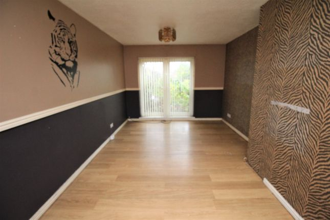 Lounge 2 of Ravensdale Grove, Blyth, Northumberland NE24