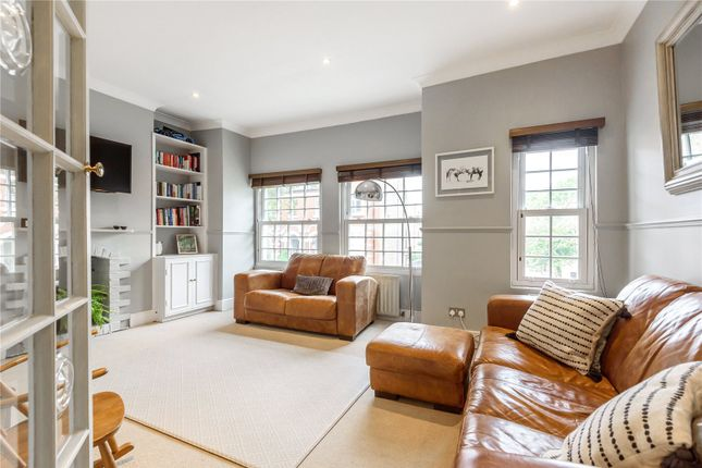 3 bed flat for sale in Wandsworth Bridge Road, Fulham, London SW6