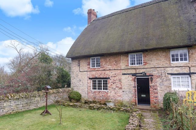 Thumbnail Cottage for sale in Thrupp, Oxfordshire