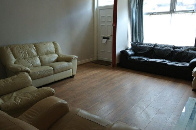 Thumbnail Property to rent in Manor Drive, Leeds, West Yorkshire