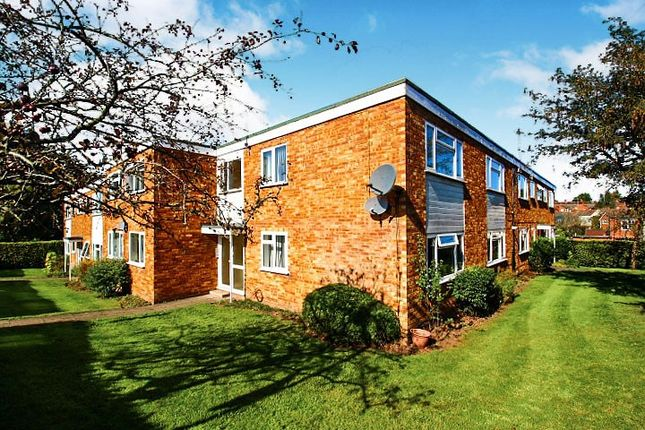 Flat in  Whateleys Drive  Kenilworth  Birmingham