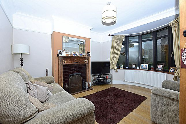 Living Room of Old Road East, Gravesend DA12
