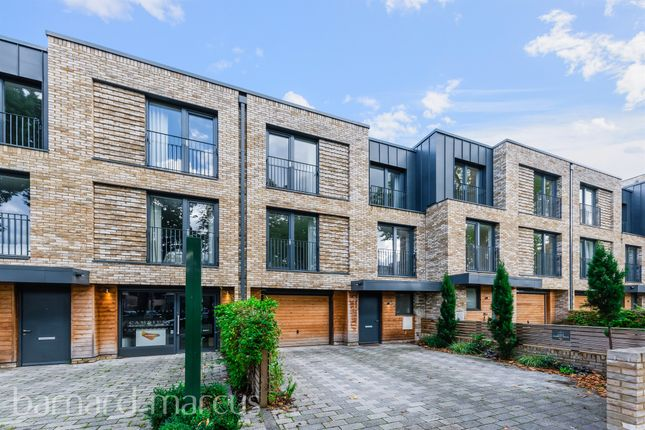 Thumbnail Terraced house for sale in Victoria Drive, London