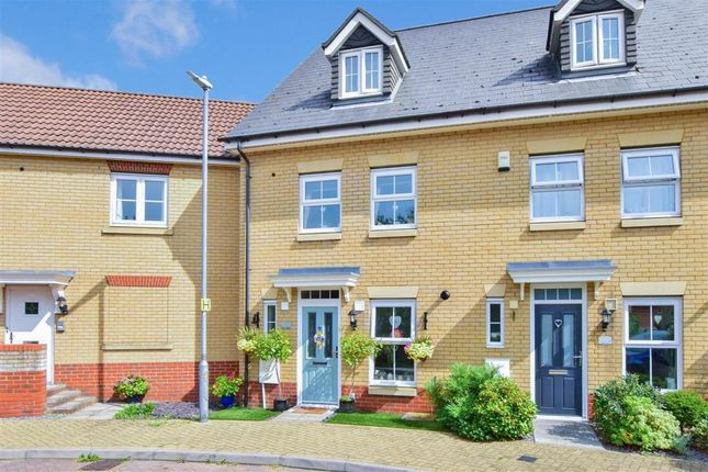 Thumbnail Town house for sale in Bell Close, Laindon, Basildon, Essex