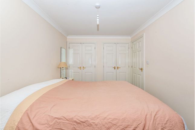 Bedroom One of Reigate Road, Tadworth KT20