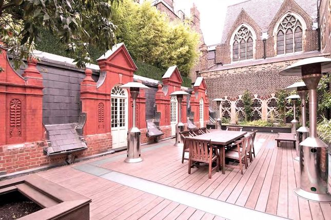 Detached house to rent in Brick Street, London
