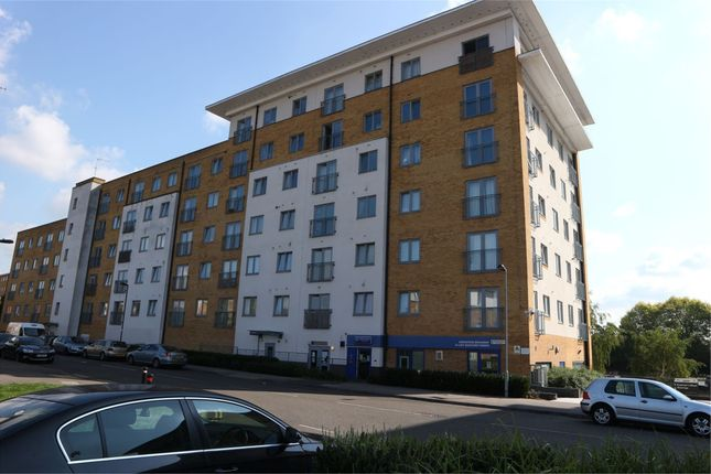 1 bed flat to rent in Taywood Road, Northolt