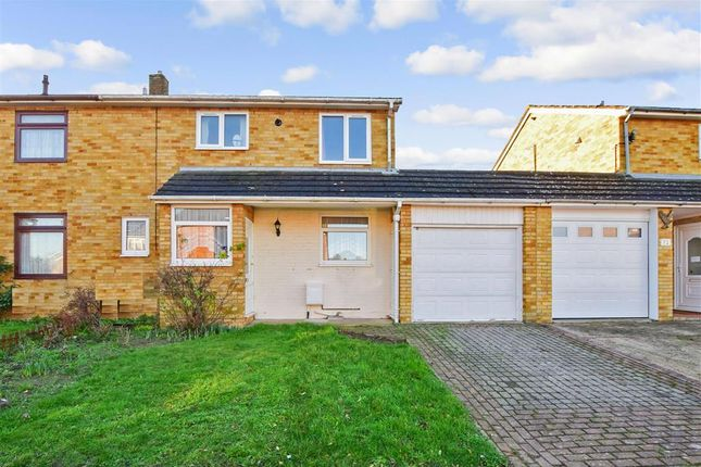 Front Elevation of Eagle Close, Larkfield, Aylesford, Kent ME20